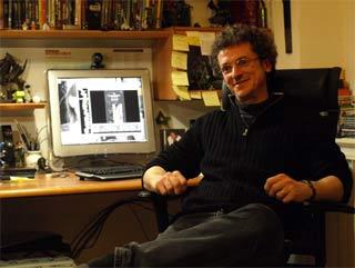 Mario Alberti nel suo studio