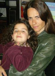 La regista Alina Mazzari assieme alla figlia Teresa