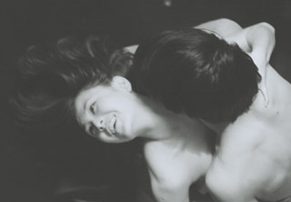 Una scena di Eros + Massacro, del regista Kijû Yoshida
