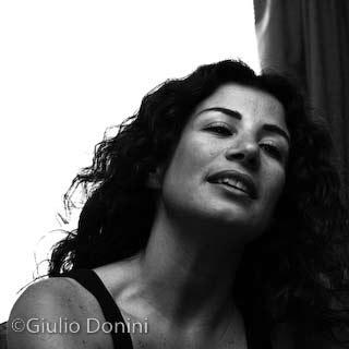 La poetessa e giornalista libanese Joumana Haddad