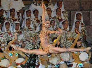 Scena dell'Aida di De Bosio all'Arena di Verona 2008