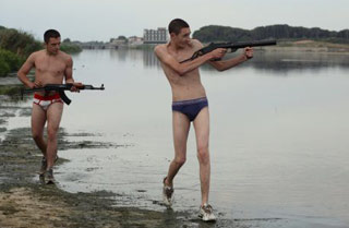 Una scena del film Gomorra di Matteo Garrone tratto dal besteseller di Saviano