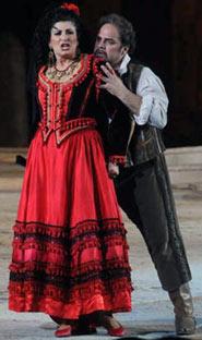 Una scena della Carmen andata in scena a erona alla stagione Areniana 2008