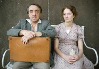 Silvio Orlando, premitato con la Coppa Volpi al Festival del cinema di Venezia, assieme ad Alba Rohrwacher in una scena del film di Pupi Avati Il papà di Giovanna