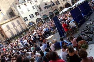 Pubblico al Festival di Letteratura di Mantova