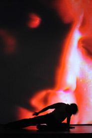 Performance della quarta edizione di Catodica, rassegna di videoarte organizzata da Fucine Mute e dal Gruppo 78 in collaborazione con Trieste Film Festival