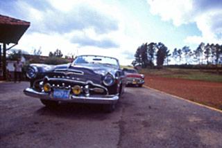 Auto d'epoca sulle strade di Cuba