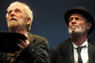 Ugo Pagliai ed Eros Pagni interpretano Estragone e Vladimiro