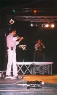 Andrea e Gionata Costa, violino e violoncello dei Quintorigo, live al Mittelfest 2002