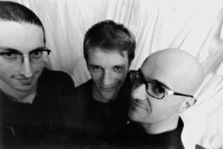 Giulio Favero (chitarra), Pierpaolo Capovilla (basso, voce), Dario Perissutti (batteria)