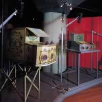 Archeologia del cinema: scatole ottiche esposte al Museo Nazionale del Cinema di Torino