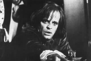Klaus Kinski/Edgar Allan Poe ne La stretta morsa del ragno