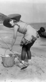 FUNNY LADIES: Louise Fazenda — Photograph credits: The Kobal Collection, Le Giornate del Cinema Muto 2002
