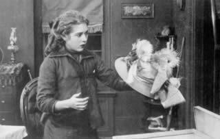 THE NEW YORK HAT (US 1912) di D.W. Griffith — Photograph credits: Le Giornate del Cinema Muto 2002