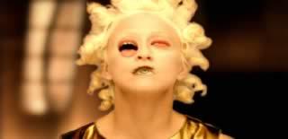 Valore aggiunto delle immagini nei confronti della musica: Madonna, Bed Time stories, regia di Mark Romanek
