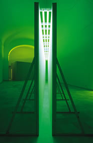 Bruce Nauman, Green Light Corridor, 1970