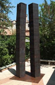 Giuseppe Spagnulo, Colonne, 1999, acciaio, Collezione Privata