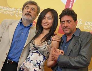 Sergio Castellitto con Gianni Amelio e Liu Hua — Ling Tai