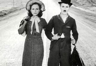 Chaplin e la moglie Paulette Godard