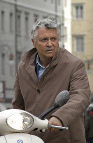 Henry Hűbchen, l'attore che interpreta il commissario Proteo Laurenti