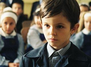 scena del film Come ho trascorso la fine del mondo, interpretata dal piccolo Timotei Duna (Lalalilu)