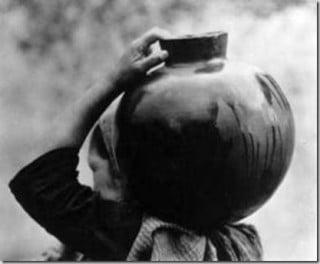 Tina Modotti, Donna che porta acqua, Messico 1928