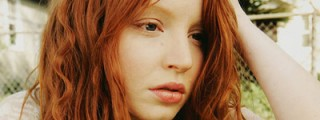 Claire Fisher (Lauren Ambrose)