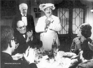 Peppino De Filippo veste i panni di Peppino cuoco sopraffino