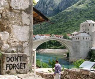 Lapide commemorativa a Mostar