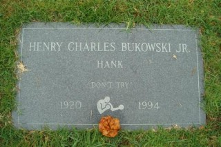 La lapide di Bukowski