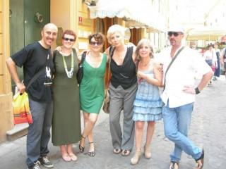 Bonafini (a sinistra) con alcuni altri autori de L'Occasione