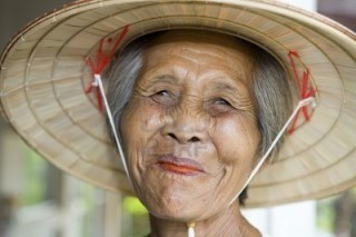 anziana vietnamita