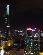 Skyline notturno di Saigon