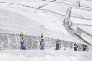 """Marzia Migliora per la Nona Giornata del Contemporaneo, """"Aqua micans"""", 2013 (part.) / Ph.Turiana Ferrara"""