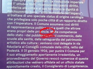 Una didascalia non proprio impeccabile della mostra La Grande Trieste