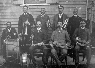 Dee Dee Chandler con l'orchestra